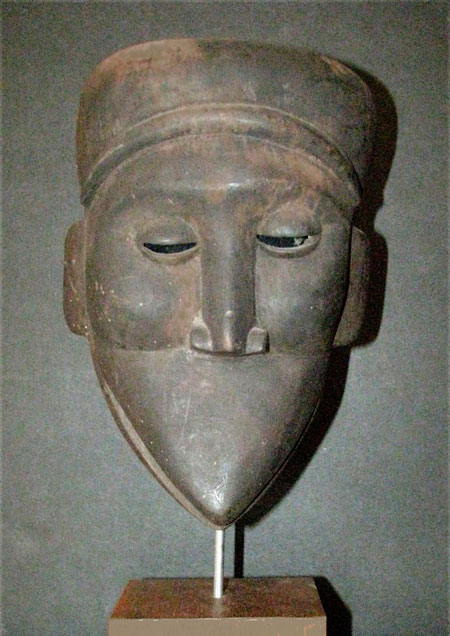 African mask with no mouth