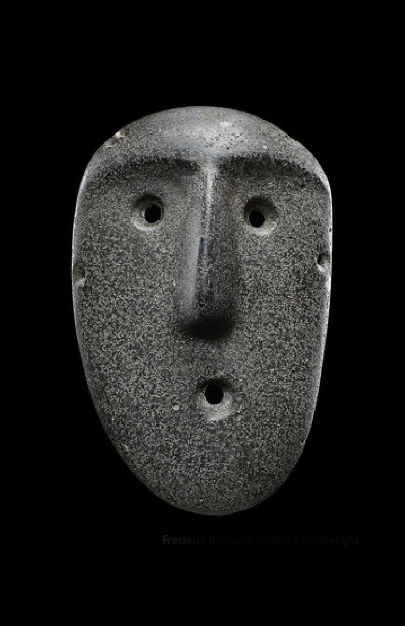 2000-yr-old mask from Argentina