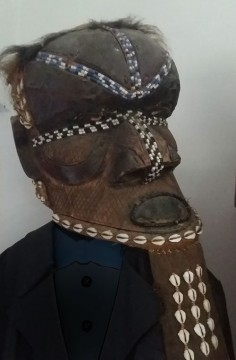 Kuba bwoom mask